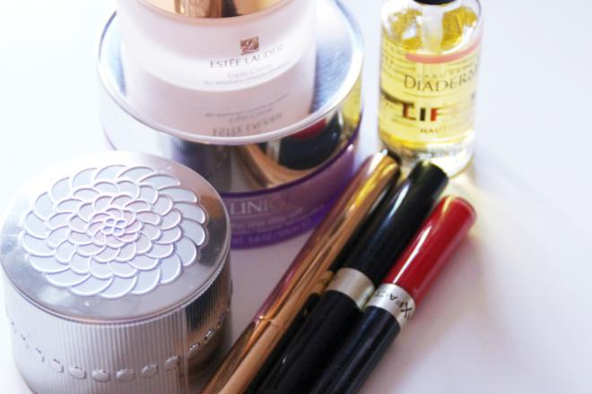 Kosmetik aussortieren