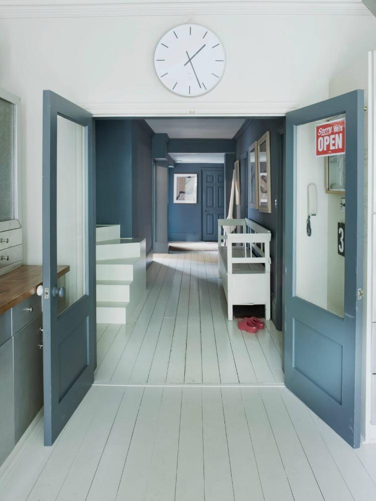 warum ein bisschen farbe eine wohnung gl cklich machen. Black Bedroom Furniture Sets. Home Design Ideas