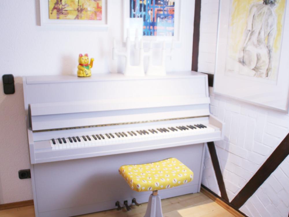 Klavier bemalt