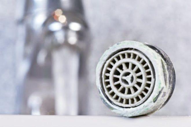 Frühjahrsputz: Auch die Dusche muss dran glauben! Bild: Fotolia
