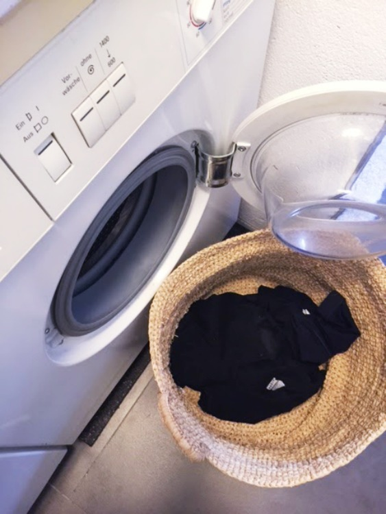 3 tricks um die w scheberge in den griff zu bekommen ordnungsliebe. Black Bedroom Furniture Sets. Home Design Ideas