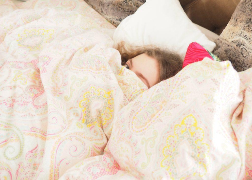 schlafen auf der emma matratze all you need is schlaf ordnungsliebe. Black Bedroom Furniture Sets. Home Design Ideas