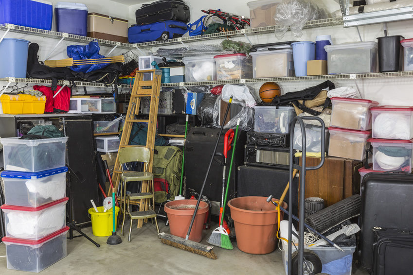 Fotolia - Garage aufräumen