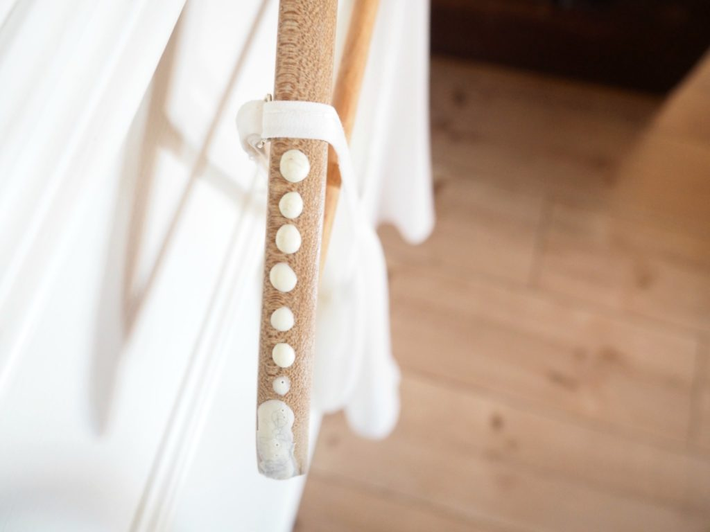 Latex auf Kleiderbügel