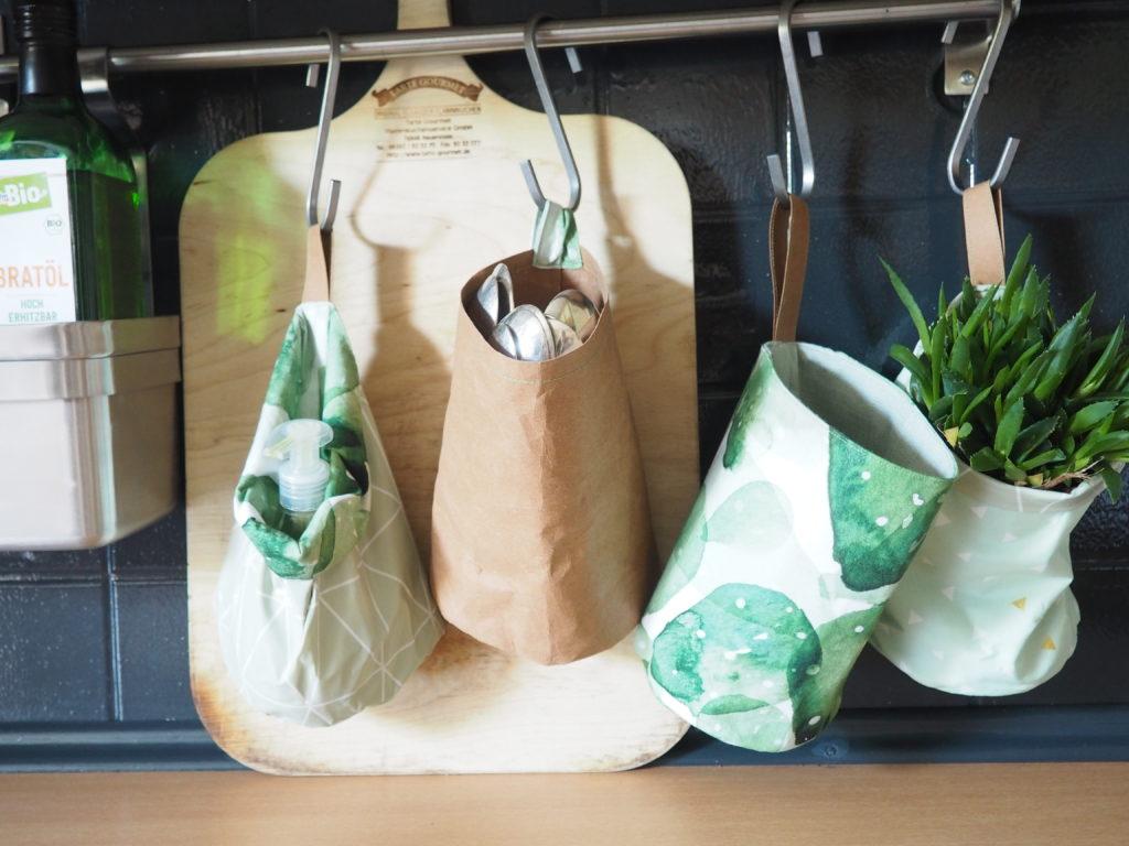 Der Oben Schon Erwähnte Tütensack Und Die Klettbänder Gegen Das Kabelchaos  In Der Küche!