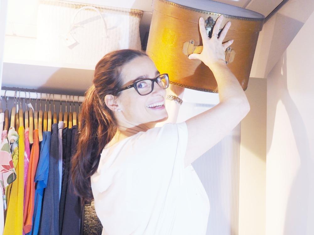 Schmale Trittleiter von Wenko für den begehbaren Kleiderschrank