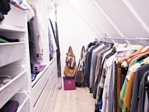 Kleiderschrank aufräumen
