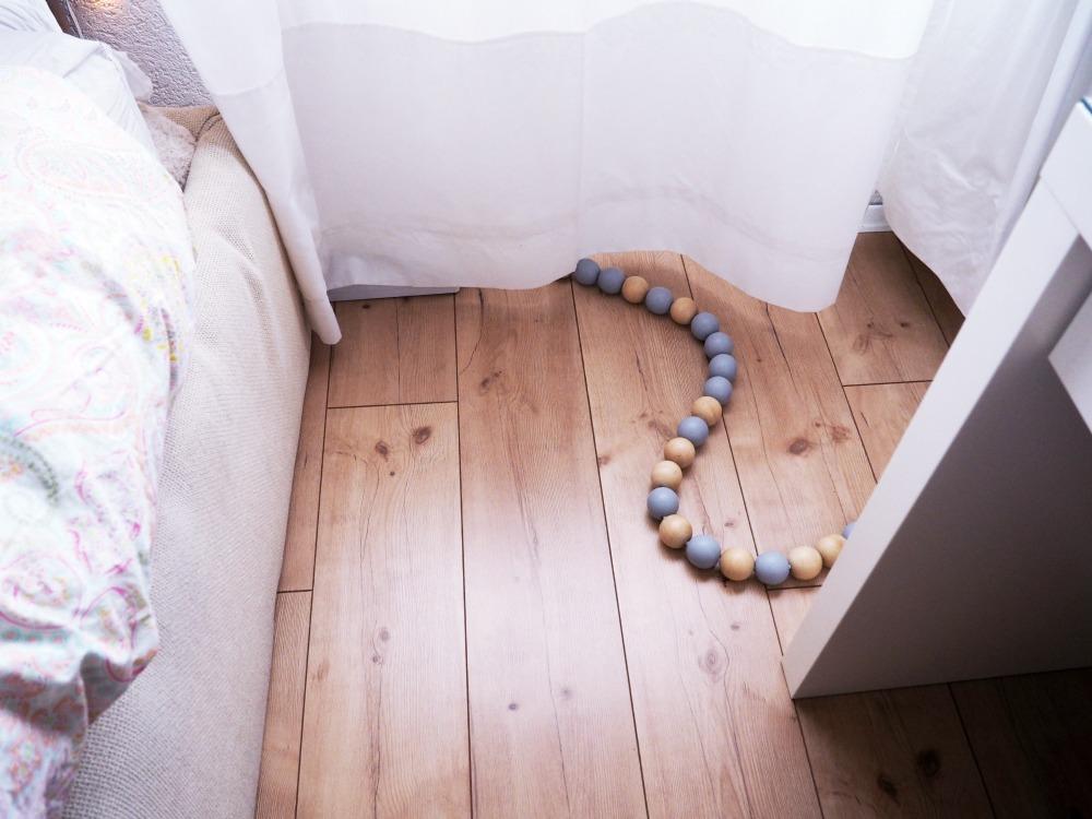 Hässliche Kabel im Schlafzimmer (und auch anderswo) verschwinden ...