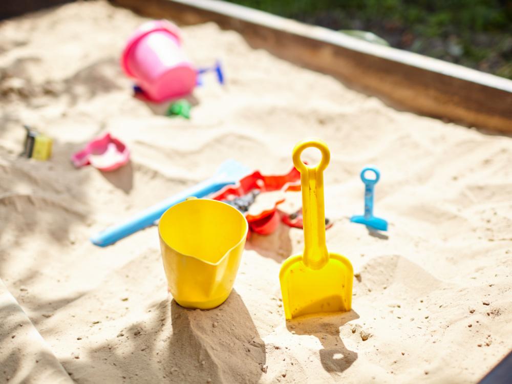 Sommerspielzeug auspacken