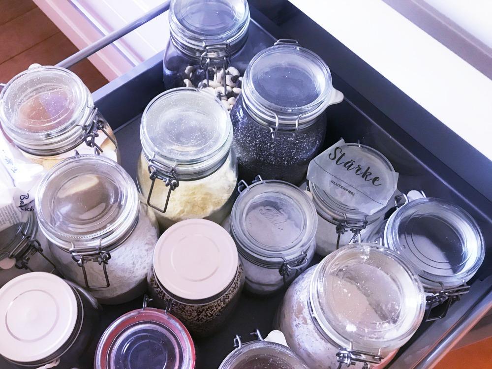 ordentliche Küchenschublade