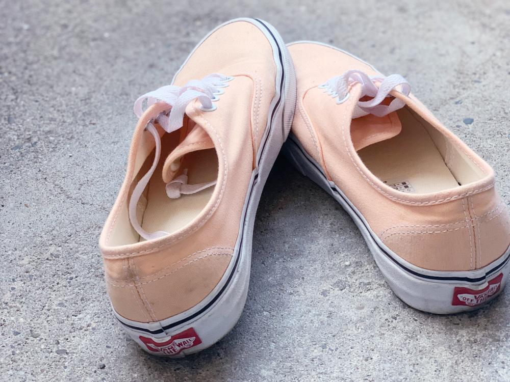 Schuhe im Schrank